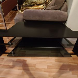 Tv stand in great condition for Sale in Henderson, NV