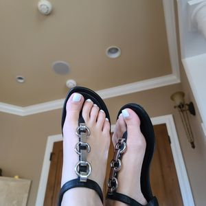 MICHAEL KORS BLACK LEATHER SANDALS for Sale in Kirkland, WA