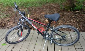 Specialized Hotrock Mountain Bike: Boys XS/13 for Sale in Concord, NC