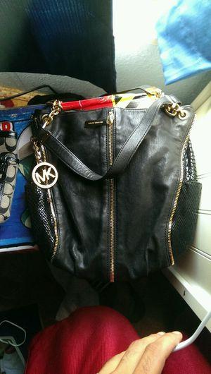 Michael Kors Shoulder Bag for Sale in Baytown, TX