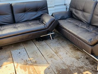 sofa set (some small scratches but still good)) for Sale in West Valley City,  UT