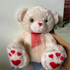 Big Teddy Bear With Heart Paws for Sale in Miami, FL