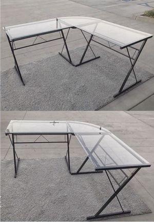 New in box 60x60x30 inches tall L shape corner desk home office computer desk for Sale in Pico Rivera, CA