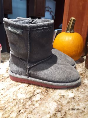 Littile girls grey boots size 10 very clean no rips no stains for Sale in Houston, TX