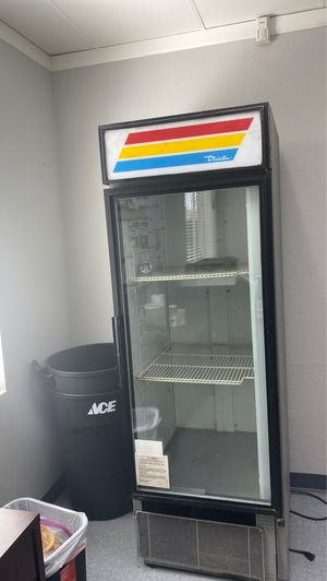 Free refrigerator for Sale in Phoenix, AZ