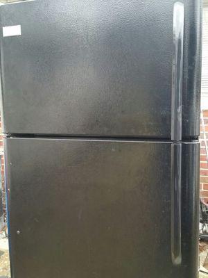 Black refrigerator like new 6 months warranty for Sale in Alexandria, VA