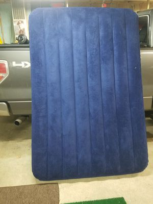 Queen air mattress / pump for Sale in Port Orchard, WA