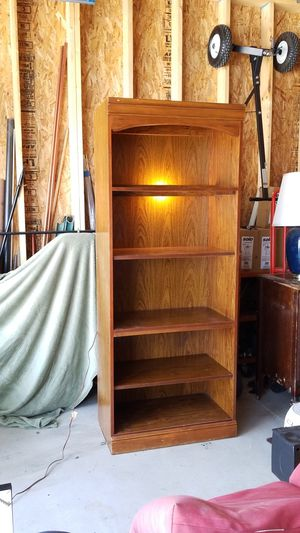 Broyhill Bookshelf for Sale in North Royalton, OH