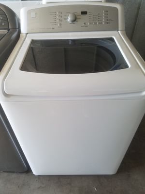 Kenmore elite oasis kingsize capacity glass top washer for Sale in Phoenix, AZ