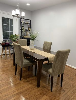 Dining Table w/Chairs for Sale in Springfield, VA