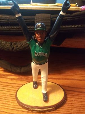 MARINERS 95 collectors 10th anniversary statue. for Sale in Cornelius, OR