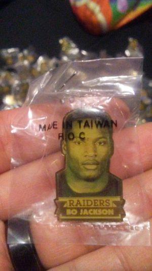 New 1990 Oakland raiders Bo Jackson pin(s) for Sale in Sanger, CA