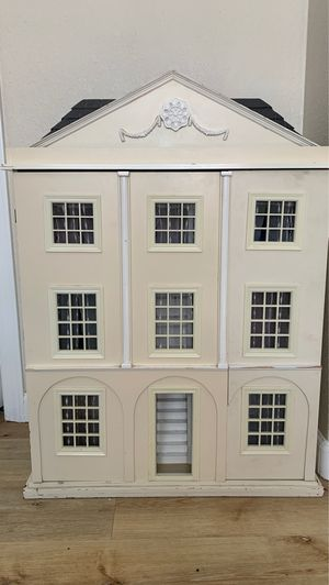 Antique Doll House for Sale in Menifee, CA