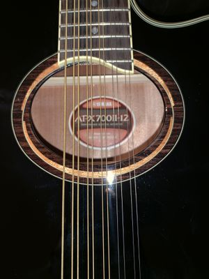 """Guitar """"APX 700ll"""" for Sale in Inglewood, CA"""