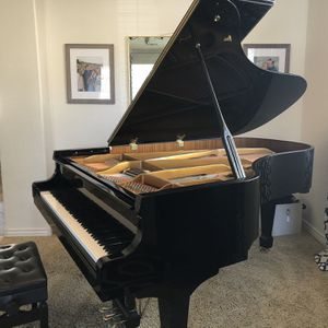 "6'8"" Polished ebony Grand Piano for Sale in Gilbert, AZ"