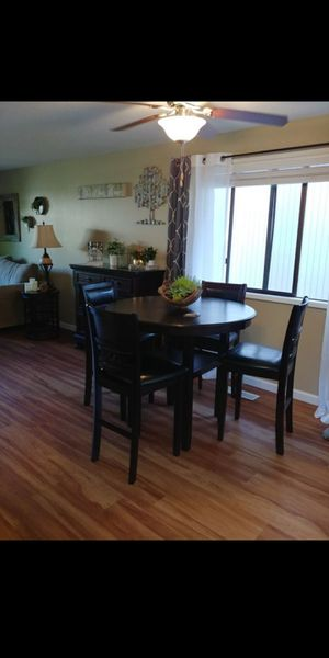 Table chair for Sale in Keizer, OR