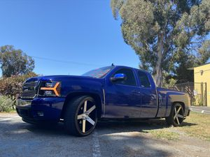 2008 Chevy Silverado ✨ clean title v8 gas ✨ for Sale in Piedmont, CA