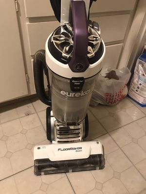 Vacuum. Very good like new for Sale in West Menlo Park, CA