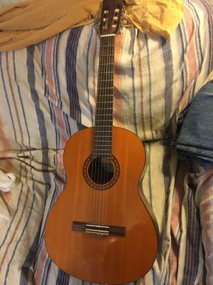 Yamaha CS40 Classical guitar , Like New for Sale in Ephrata, PA