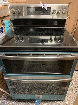 "30"" GE DOUBLE OVEN ELECTRIC STOVE GLASS TOP WITH WARRANTY for Sale in Lake Ridge, VA"
