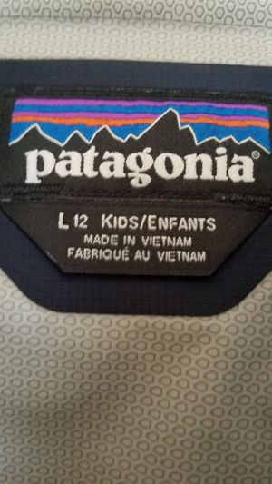 $35 - PATAGONIA BRAND NEW GIFT NO TAGS. SIZE 9 - 12 YEARS OLD. SZ Y12. NEVER EVEN WORN ONCE!!! for Sale in Monterey Park, CA