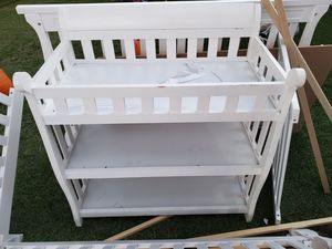 White crib and changing table for Sale in Santee, CA
