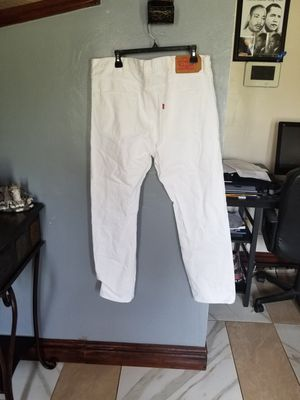 White Levi's Jean's for Sale in Miami Gardens, FL