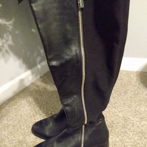 Womens Michael Kors Knee-High Boots, Black Leather. 8.5M for Sale in Douglasville, GA