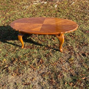 Small Coffee Table for Sale in Lemoore, CA