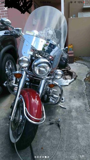Yamaha 2000 modelo road star Motorcycle for Sale in Miami Lakes, FL