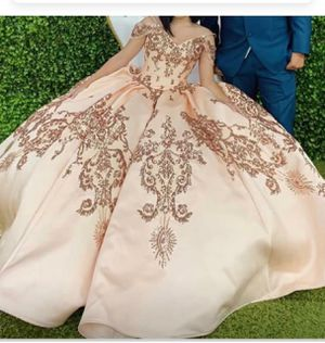 Quinceñera dress for Sale in Shafter, CA