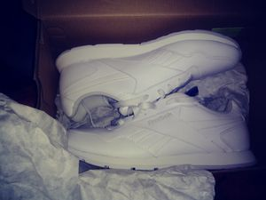 Women's White Reebok shoes brand new for Sale in Detroit, MI