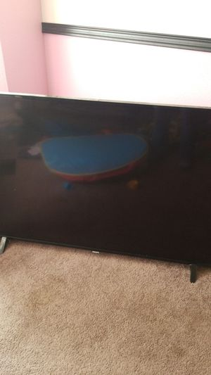 61 inch smart TV for Sale in Gresham, OR