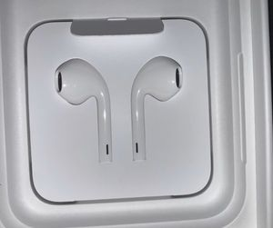 Apple wired earbuds for Sale in Virginia Beach, VA