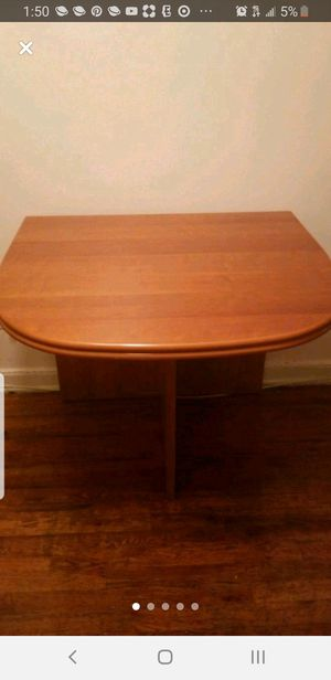 Dining room table. for Sale in Brooklyn, NY