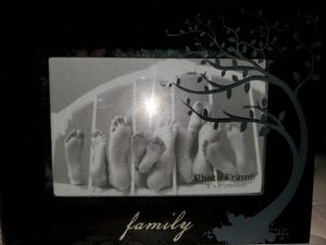 FAMILY PICTURE FRAME, HOLD 1 6×4 photo for Sale in Davenport, FL