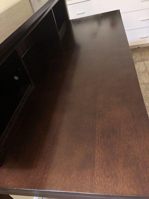 Desk w/shelf and keyboard drawer