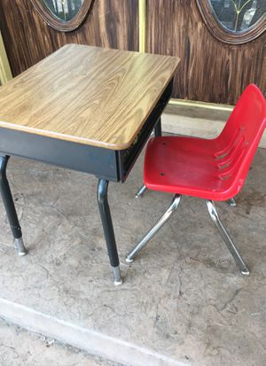 Kids school desk and chair for Sale in Sylmar, CA