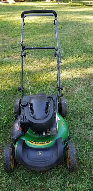 John deere lawnmower lawn mower 6.75hp Briggs &Stratton engine push mower no bag but has the attachment, in Good working condition with fresh oil for Sale in Streamwood, IL
