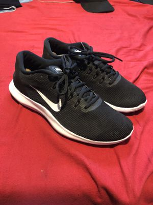 Nike running shoes size 9.5 for Sale in Los Angeles, CA