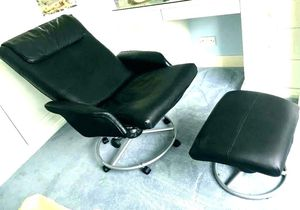 Reclining Chair And Ottoman for Sale in Bellevue, WA