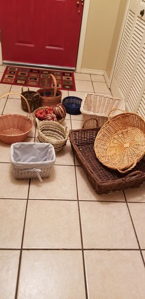 All baskets for 10.00 for Sale in San Antonio, TX