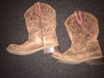 Woman's Ariat boots for Sale in Prineville,  OR