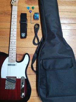 Electric Guitar With Bag And Accesories for Sale in Queens,  NY