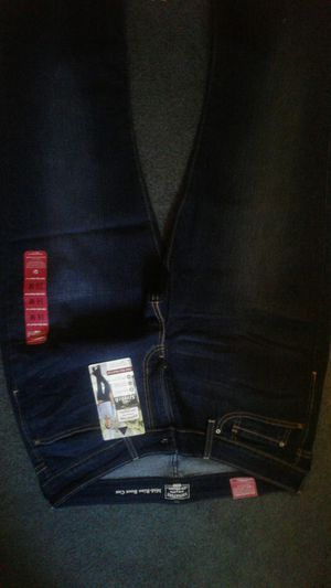 16M ladies levis jeans. for Sale in Galion, OH