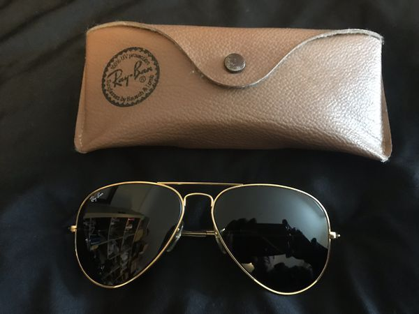Rayban Ray Ban aviator Classic sunglasses W hard case like New no scratches
