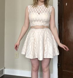 2 Piece Creme And Pale Pink Dress for Sale in Sterling,  KS
