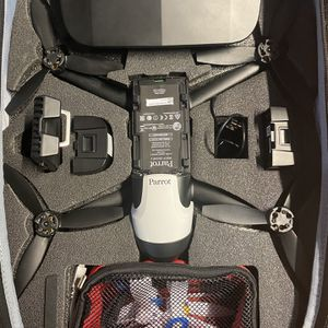 Parrot Bebop 2 Fly More Kit Extra Battery And Fast Charger for Sale in Plano, TX