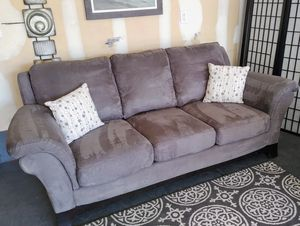 Nice grey Lane Furniture suede couch • Great condition • 🚚 FREE DELIVERY 🚚 for Sale in Spring Valley, NV