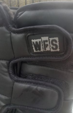 WINTER SNOW / RAIN WFS BOOTS KIDS (SIZE 2 ) PRE-OWNED for Sale in Compton, CA